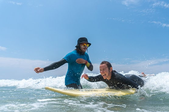 aws_surf_surf_school