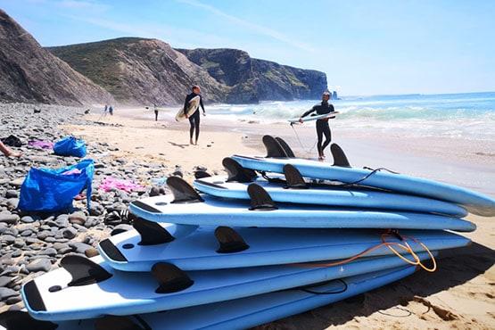 aws_surf_surf_school_Modern Equipment