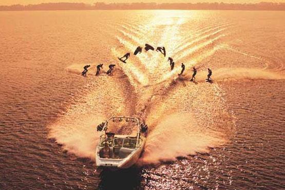 aws_wakeboard_wake boat